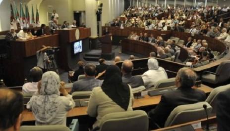 L'APN qui cache la forêt: un rapport indique la faible présence des Algériennes en politique