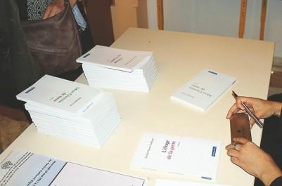 """Pour son livre """"L'éloge de la perte"""" : Lynda Nawel Tebbani organise une vente-dédicace à Tlemcen"""