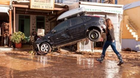 Grèce : au moins 7 morts dans des inondations près d'Athènes