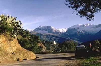 Lancement des travaux de réalisation d'une route intercommunale Taourirt Mokrane-Ath Yenni