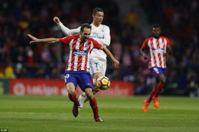 Real – Atletico: Une bataille déclenchée pour Marcos Alonso