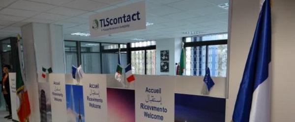 Visas : Grande affluence devant les bureaux de TLS Contact à Alger