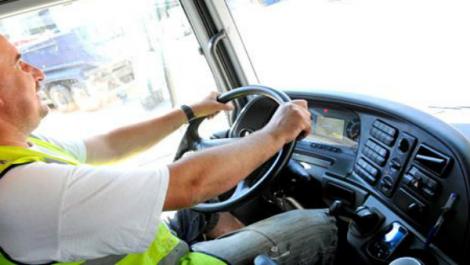 Des frais de formation jugés élevés: Les chauffeurs de transport de bus et de marchandises réclament une réduction du tarif
