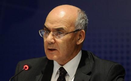 Algérie: Yousfi veut exporter du ciment, des véhicules et des médicaments