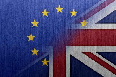 """Les négociations sur le Brexit se poursuivent et """"progressent"""""""