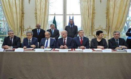 Algérie-France: onze accords de coopération signés à Paris