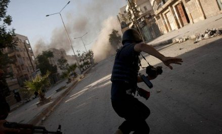 Soixante-cinq journalistes, dont 50 professionnels, tués en 2017 dans le monde