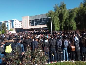 Colère des étudiants contre la baisse du budget du Haut-Commissariat à l'amazighité