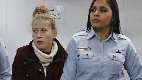 Soldats israéliens pris à partie : détention prolongée pour Ahed Tamimi
