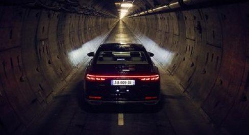 Audi : Une traversée sous la «Manche» en Audi A8 (Vidéo)