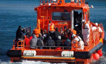 Migration: Une centaine de migrants secourus au large des côtes espagnoles