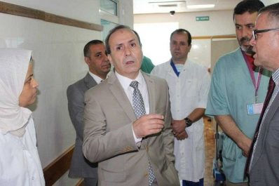 Le ministre de la santé refuse d'annuler le service civil