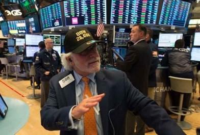 A Wall Street : Le Dow Jones propulsé au-dessus des 24.000 points