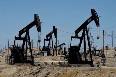 Après la prolongation d'un accord pétrolier : Les prix du pétrole retombent