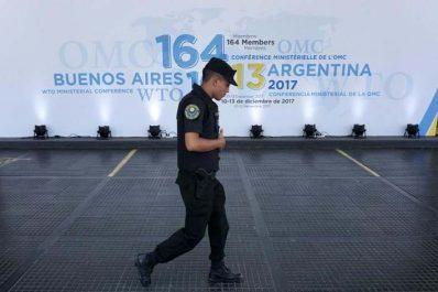 Malmenée : L'OMC disserte sur l'avenir du commerce mondial