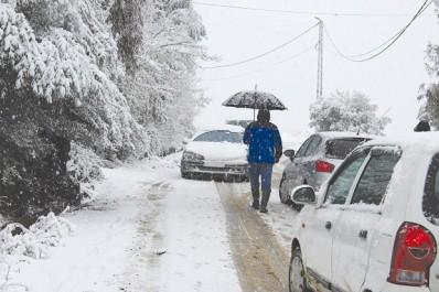 Après la neige, le verglas: Les communes montagneuses paralysées à Tizi Ouzou et à Jijel