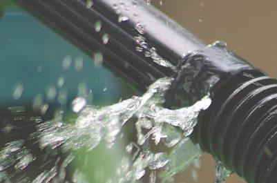 Fuites d'eau potable à Sour El-Ghozlane : Les services compétents sans réaction