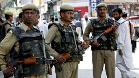 Inde: Un policier tire sur ses camarades, quatre morts