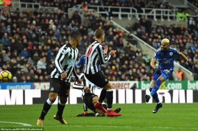 Leicester : Mahrez titulaire face à Man United. Slimani sur le banc