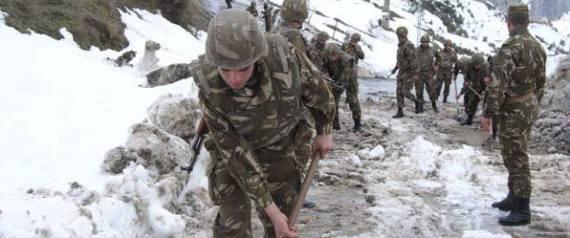 Chutes de neige: des détachements de l'ANP interviennent pour le désenclavement des zones touchées