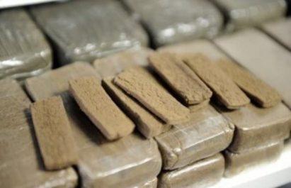 Neuf contrebandiers arrêtés à Bordj Badji Mokhtar et 100 kg de kif saisis à Tlemcen