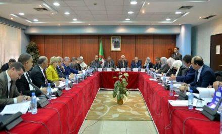 Bedoui: le ministère de l'Intérieur «n'abandonnera pas les titulaires des contrats du pré-emploi»