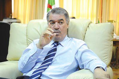 Hadjar menace les grévistes de poursuites judiciaires