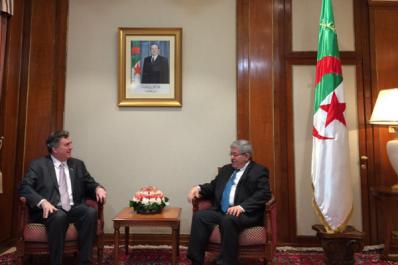L'ambassadeur des États-Unis rencontre Ouyahia