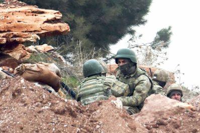 Syrie: Violents combats à Afrine et partie d'échecs entre Ankara et ses alliés occidentaux