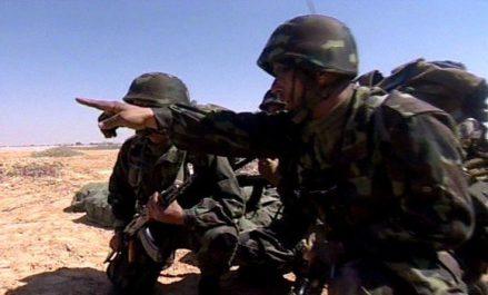 Tindouf : Deux pistolets mitrailleurs, 2 chargeurs et une quantité de munitions découverts