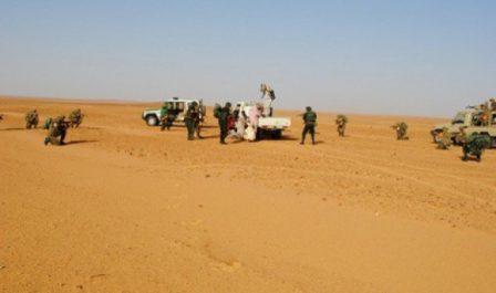 Quatre contrebandiers arrêtés au Sud du pays et 237 kg de kif traité saisis à l'Ouest (MDN)
