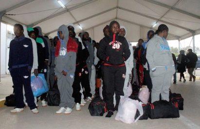 Libye: 180 migrants nigérians retournent volontairement chez eux