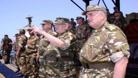 Gaid Salah souligne le «grand intérêt» qu'accorde l'ANP à la promotion et au développement de l'industrie militaire