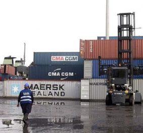 Drame au port d'oran : Un pointeur écrasé par un clark de 42 tonnes