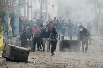 206 arrestations et des dizaines de blessés lors d'une nouvelle nuit de troubles : Le message de la Tunisie silencieuse