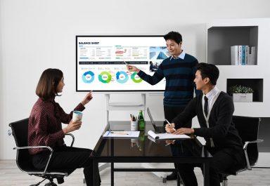 Samsung établit la nouvelle norme pour travailler ensemble avec un nouveau flip chart numérique interactif