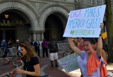 Etats-Unis : Un juge suspend l'abrogation d'un programme de Trump