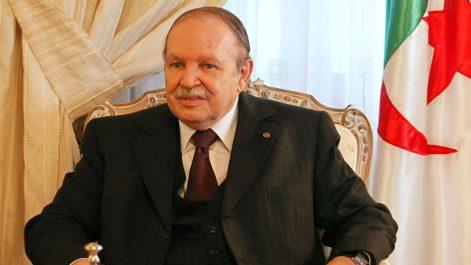 Le président Bouteflika félicite le Gouverneur général de La Grenade à l'occasion de la fête nationale de son pays