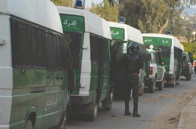 """Renforcement du dispositif sécuritaire sur l'autoroute à Lakhdaria : Alger érigée en """"forteresse"""""""