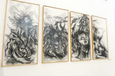 """Plusieurs artistes algériens esquissent la """"Guernica"""" à l'Institut Cervantès """"Donnons une chance à la paix"""""""