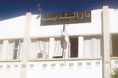 Il a présenté ses vœux de Yennayer aux algériens depuis Souk-Ahras : Le P/APC de Boughrara ovationné pour son discours en chaoui