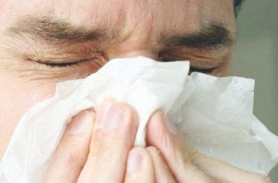 La demande est particulièrement forte en raison des décès enregistrés Le vaccin antigrippal manque dans plusieurs hôpitaux et pharmacies