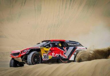 Dakar 2018 : Peugeot rate la première marche, Toyota frappe fort