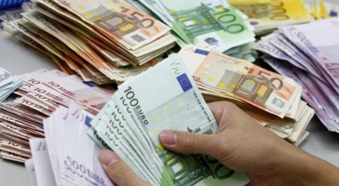 Aéroport d'Alger: 150 000 euros saisis sur un passager vers Istanbul
