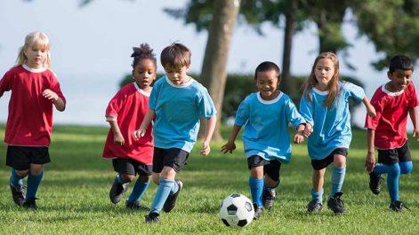 Les enfants sportifs grandissent-ils plus ?