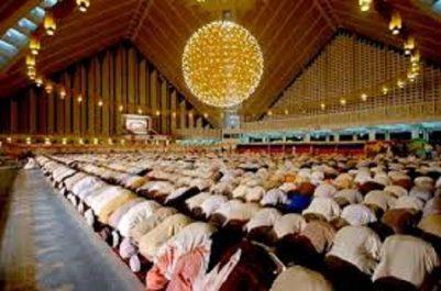 L'Algérie envoie des imams au Canada pour officier la prière Tarawih.