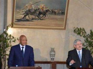 Ouyahia : l'Algérie encourage les mouvements maliens à un plus grand rapprochement avec les autorités de leur pays