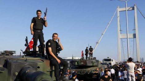 Un an après l'attentat du reina : Haute sécurité et arrestations en Turquie