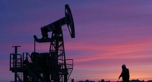 Face aux excédents de stocks : L'Arabie saoudite compte réduire sa production pétrolière
