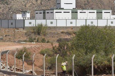 Le Maroc militarise sa frontière avec l'Algérie!